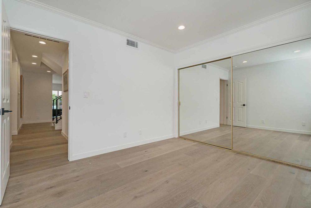 Long-Beach-Real-Estate-Surrey-Drive-10