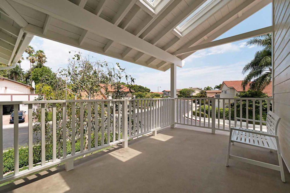 Long-Beach-Real-Estate-Surrey-Drive-2